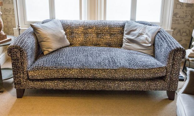Rossetti Buttoned Sofa