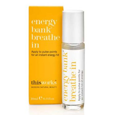 This Works Energy Bank Pulse Point Breathe in Fragrance