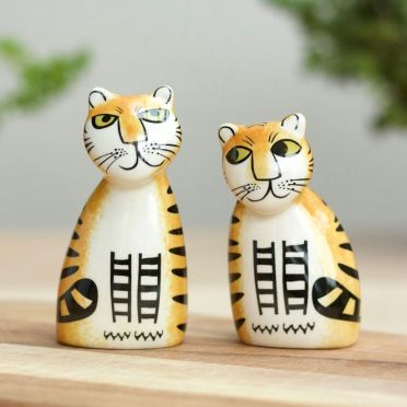 Hannah Turner Salt and Pepper Tiger