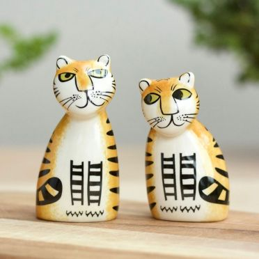 Hannah Turner Salt and Pepper Tiger